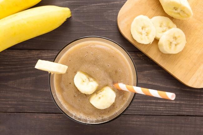Banana cacao powder smoothie