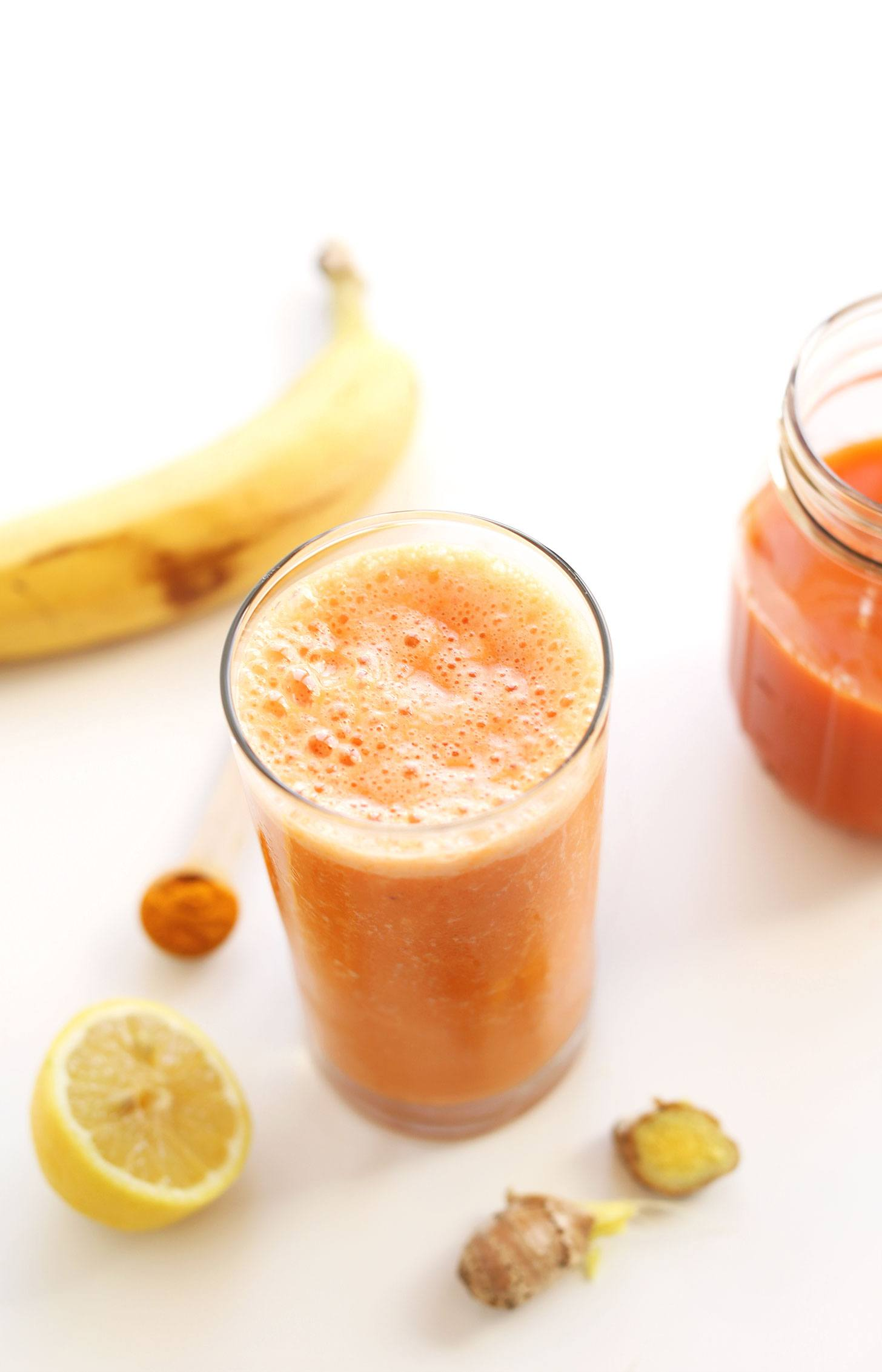 Carrot Ginger Turmeric anti inflammatory smoothie