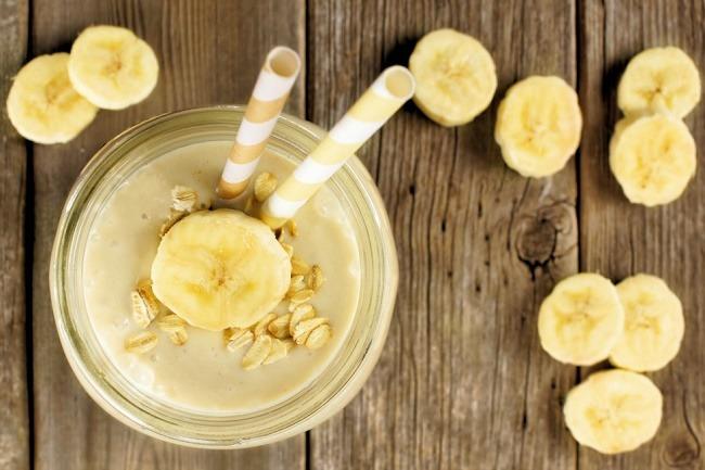 Banana oatmeal lactation smoothie