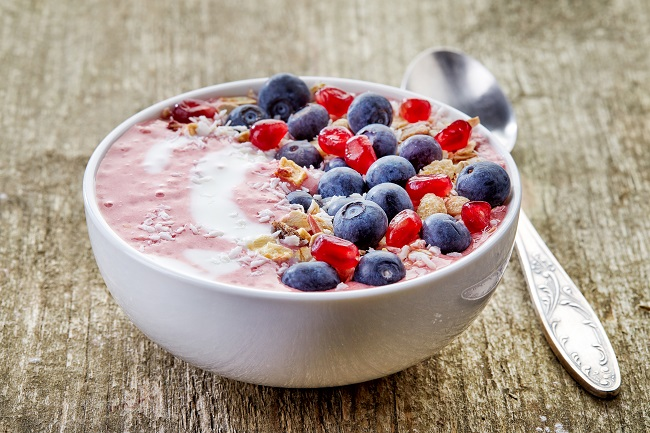 Banana Peanut Butter Berry Smoothie Bowl